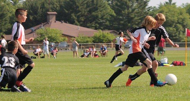mládež a fotbal.jpg